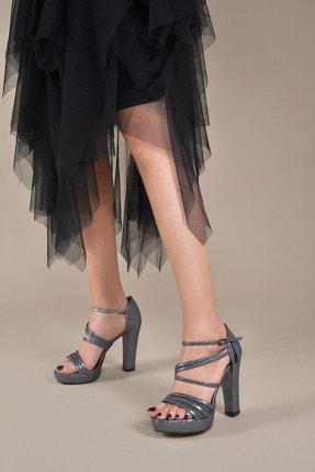 Kadın  Platin-Slt Klasik Topuklu Ayakkabı VZN20-035Y 153752_Platin-Slt