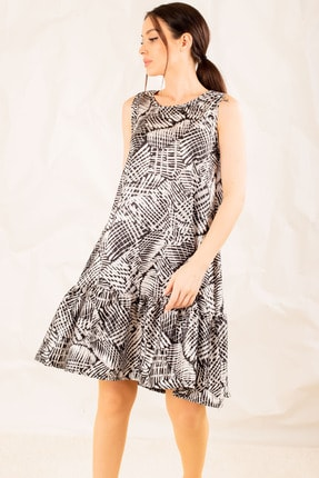Kadın Siyah Desenli Kolsuz Eteği Firfirli Elbise ARM-20Y001050