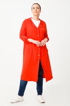Kadın Kırmızı Kapüşonlu Uzun Trençkot 20Y.EKL.KAP.08524.1