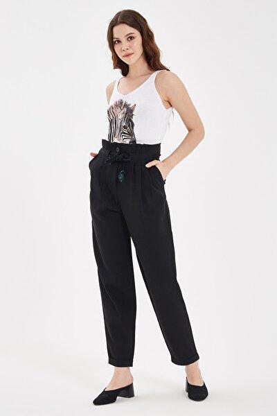 Siyah Bağlama Detaylı Pantolon