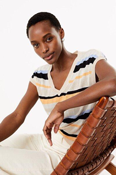 Kadın Multi Renk Çizgili V Yaka Bluz T38001163S