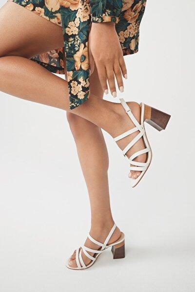 Kadın Beyaz Topuklu Sandalet