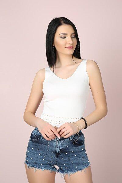 Kadın Beyaz V Yaka Likralı Kalın Askılı Fit Crop Bluz