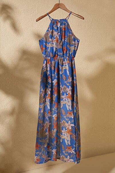 Lacivert Çiçek Desenli Yırtmaçlı  Elbise TWOSS20EL1297
