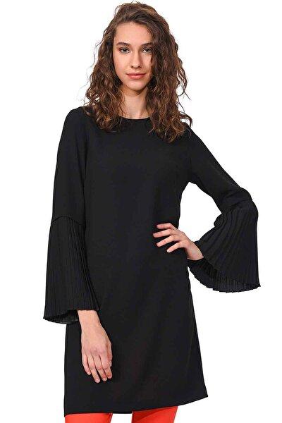Kadın Siyah Kolları Pliseli Bluz 18KGMZL1012014