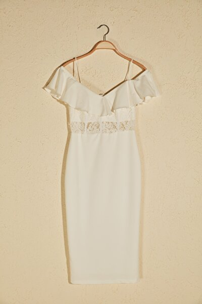 Beyaz Dantel Detaylı Korseli Elbise TPRSS20EL2851