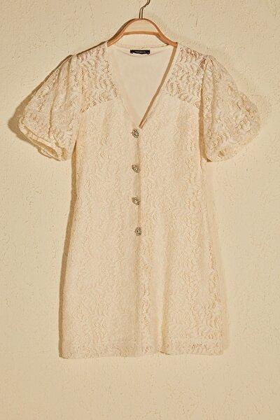 Ekru Dantel Detaylı Taşlı  Elbise TPRSS20EL0132