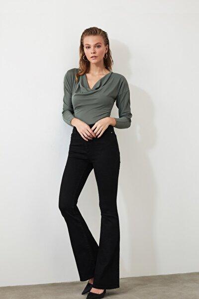 Siyah Yüksek Bel Flare Jeans TWOAW21JE0163