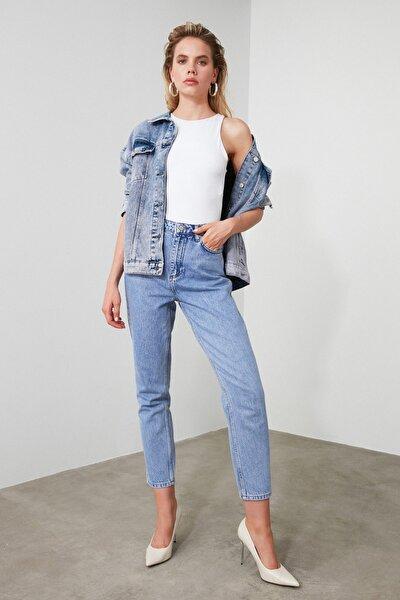 Mavi Yüksek Bel Mom Jeans TWOAW21JE0256