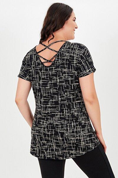 Kadın Siyah Büyük Beden Sırt Çapraz Kısa Kol Desenli Bluz
