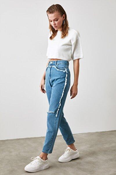 Indigo Yırtıklı Püskül Detaylı Yüksek Bel Mom Jeans TWOAW21JE0174