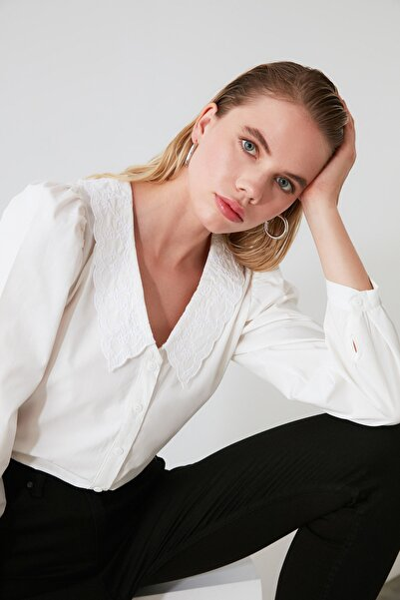 Beyaz Yaka Detaylı Gömlek TWOAW21GO0005