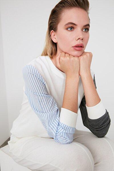 Ekru Renk Bloklu Basic Örme Sweatshirt TWOAW20SW0052