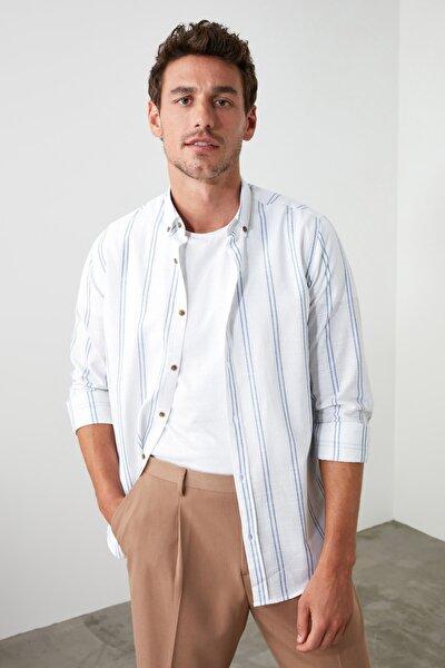 Beyaz Erkek Düğmeli Yaka İnce Çizgili Slim Fit Gömlek TMNSS20GO0092