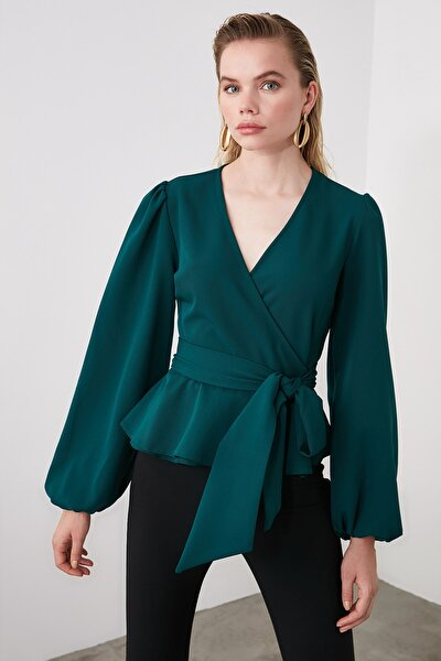 Zümrüt Yeşili Kruvaze Yaka Bluz TWOAW20BZ1089