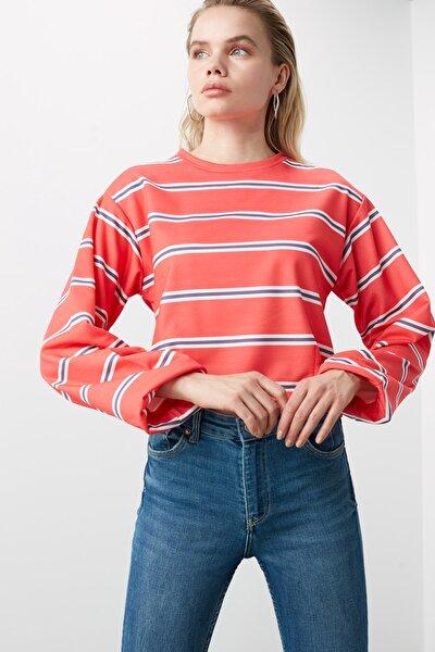 Kırmızı Çizgili Basic Örme Sweatshirt TWOAW21SW0317