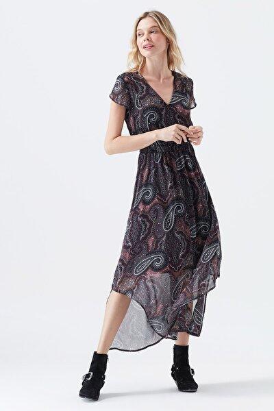 V Yaka Siyah Elbise