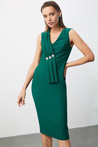 Zümrüt Yeşili Taş Detaylı Elbise TPRSS20EL2074
