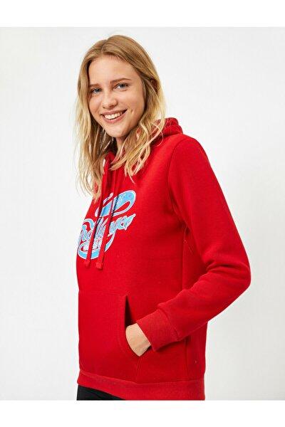 Kadın  Kırmızı Kapüsonlu Cepli Yazili Baskili Uzun Kollu Sweatshirt