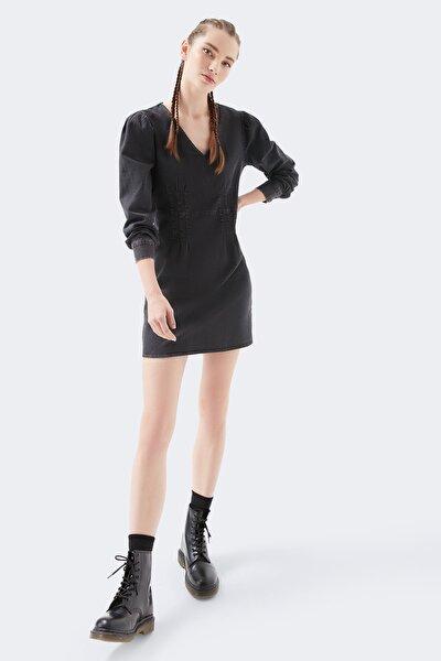 Uzun Kollu Siyah Elbise