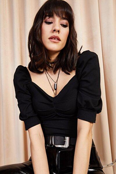 Kadın Siyah Önü Büzgülü Kol Detaylı Likralı Bluz BLZ-19000857
