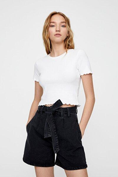 Kadın Beyaz Kıvrımlı Kenarlı Basic T-Shirt 05234369