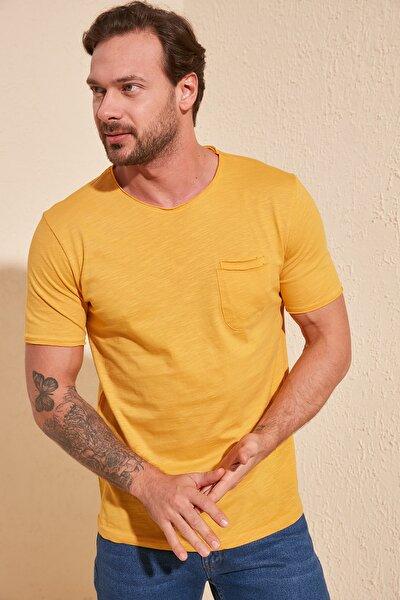 Hardal Erkek Kısa Kollu Cepli  Slim Fit T-Shirt TMNSS20TS0305