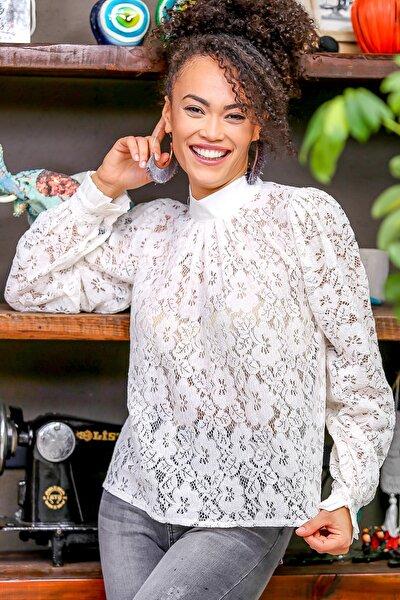 Kadın Beyaz Barok Dik Yaka Dantel Bluz M10010200BL96365
