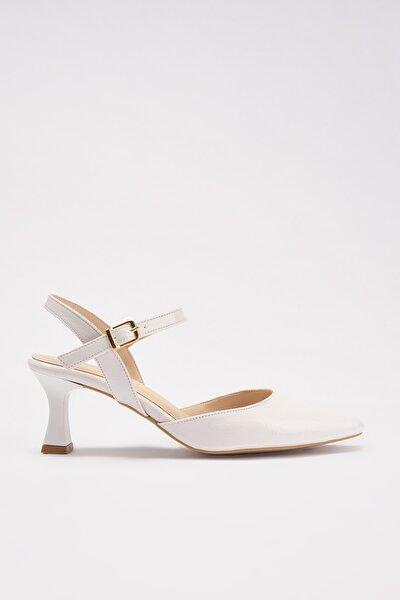Beyaz Kadın Klasik Topuklu Ayakkabı 01AYH214400A900