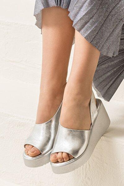SANDE Hakiki Deri Gümüş Kadın Sandalet