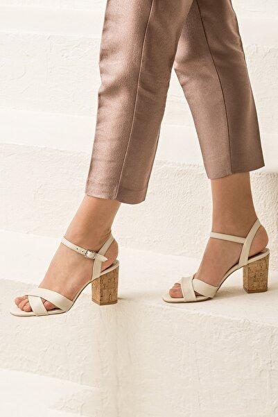 GOLETAA Bej Kadın Sandalet