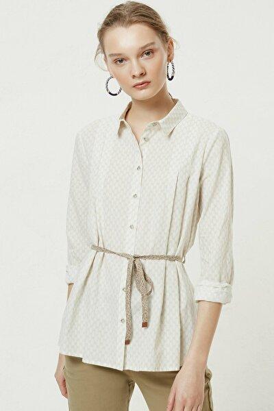 Kadın Bej Desenli Kemer Detaylı Gömlek 0YKGM6152X