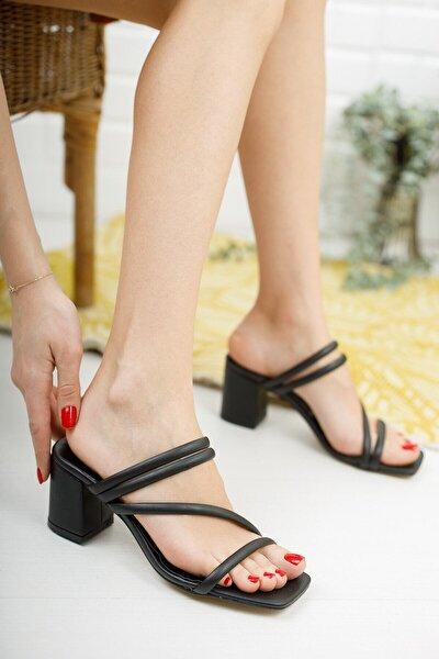 Kadın Siyah Çapraz Topuklu Terlik