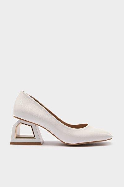 Beyaz Kadın Klasik Topuklu Ayakkabı 01AYH214740A900
