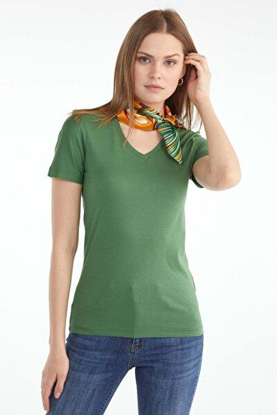 V Yaka Kadın Basic T.shirt - Yeşil