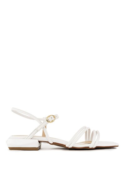 Beyaz Düz Sandalet