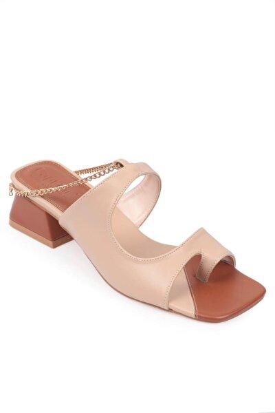 Capone 8305 Kadın Parmak Arası Zincirli Sandalet