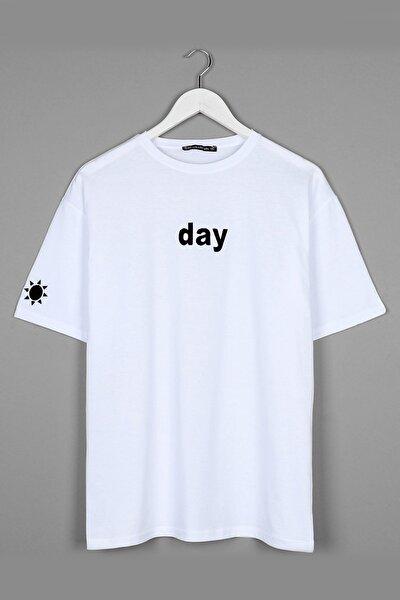 Day Nakışlı Beyaz Oversize Unisex Tshirt