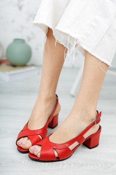 Kırmızı Deri Kadın Klasik Topuklu Ayakkabı
