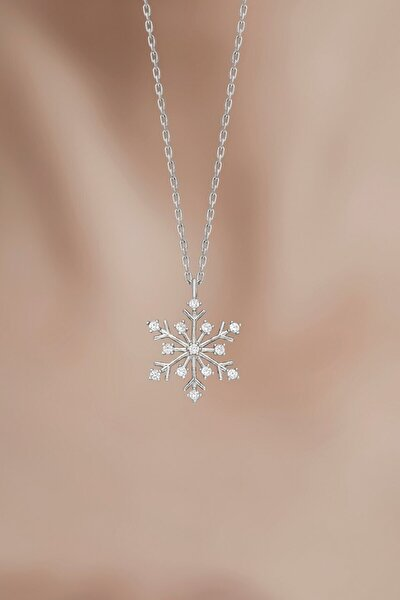 Kadın Tamamı Saf 925 Ayar Gümüş Zirkon Taşlı Kar Tanesi Kolye