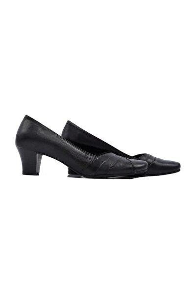 Kadın Hakiki Deri Siyah Klasik Topuklu Ayakkabı 505061353-1