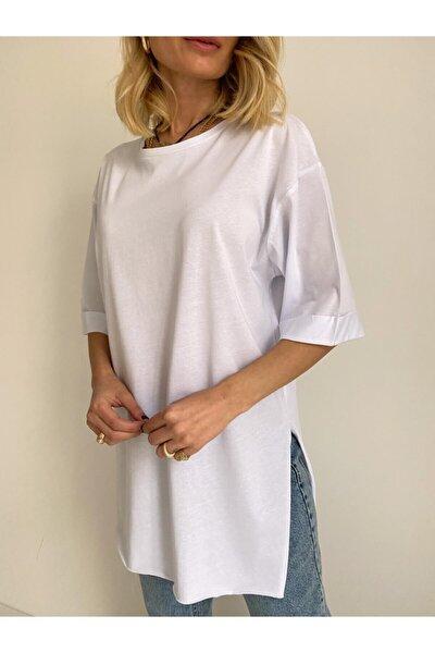 Kadın Beyaz Yanı Yırtmaç Detaylı Duble Kol Oversize T-shirt