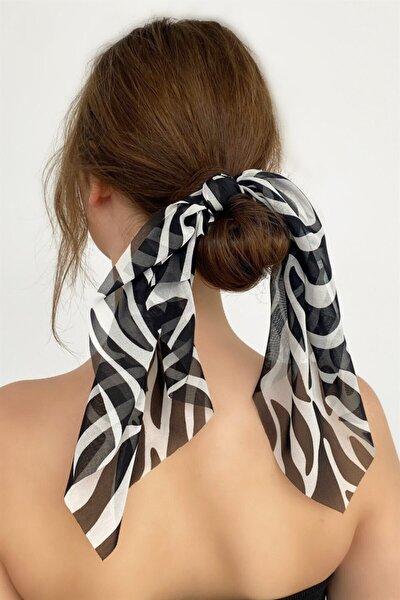 Kadın  Zebra Desenli Fularlı Lastik Toka