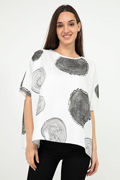 Kadın Beyaz Dijital Baskılı Bol Form Bluz 23954