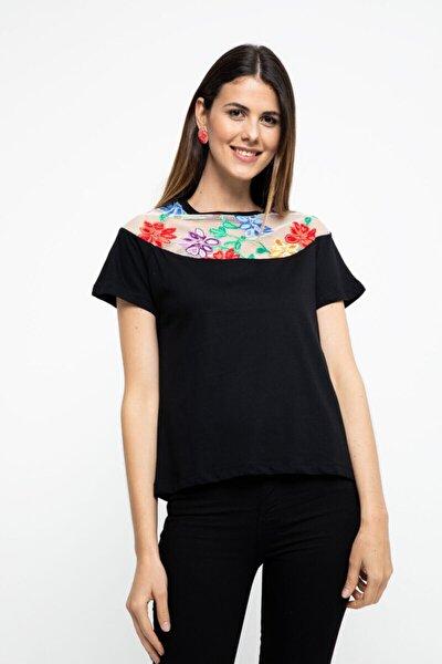 Siyah File Nakış Detaylı Tshirt