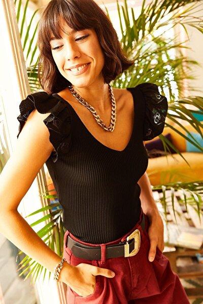 Kadın Siyah Omzu Fırfır Detaylı V Yaka Triko Bluz