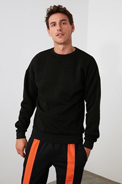 Siyah Erkek Bisiklet Yaka Regular Fit Fermuar Detaylı Sweatshirt TMNAW21SW0228