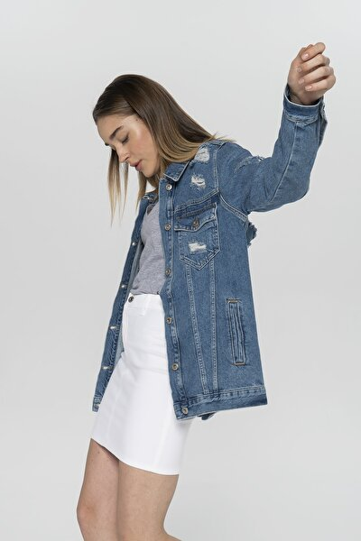 Kadın Orta Mavi Oversize Uzun Yıpratmalı Jean Ceket C 4539-005