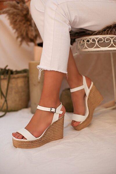 Kadın Beyaz Hasır Işlemeli Platform Topuklu Bayan Sandalet 9013