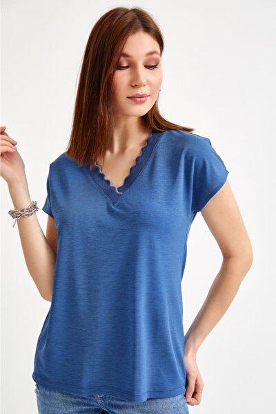 Kadın Lacivert Yakası Simli Şeritli Kısa Kol Bluz 021-1019